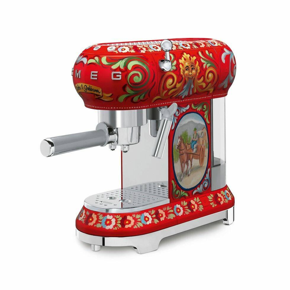 Dolce & Gabbana skapar köksmaskiner tillsammans med Smeg
