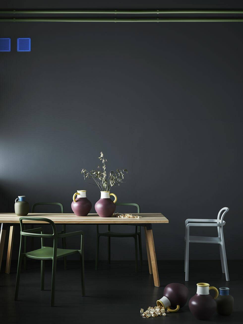 Bilderna från Ikeas omtalade samarbete med Hay är här