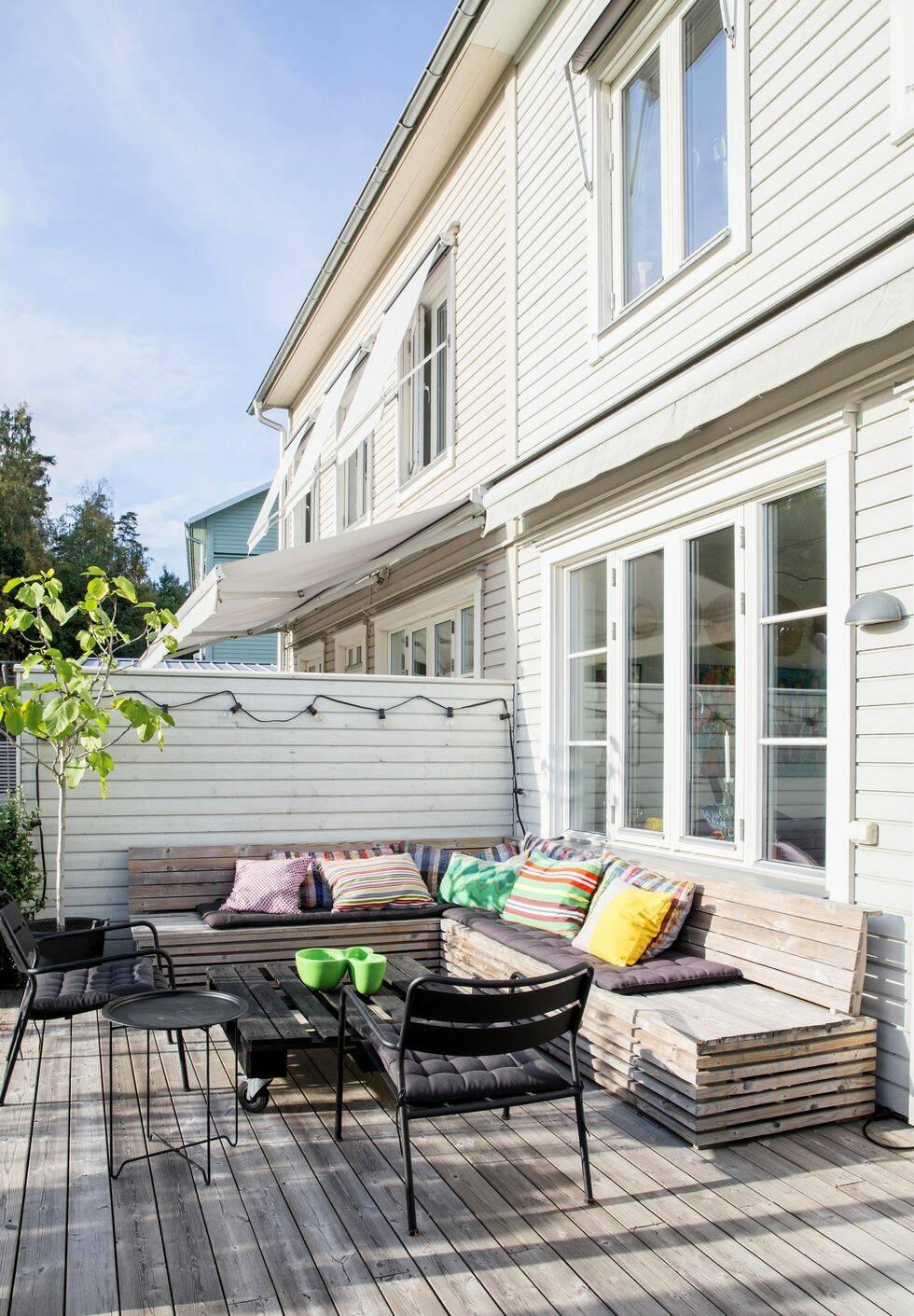 Gör det själv: Platsbyggd soffa till terrassen