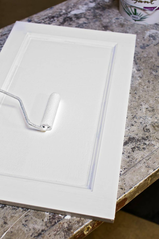 Så här målar du köksluckorna som ett proffs