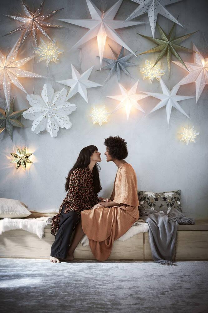 Nu är det jul igen – i alla fall hos Åhléns