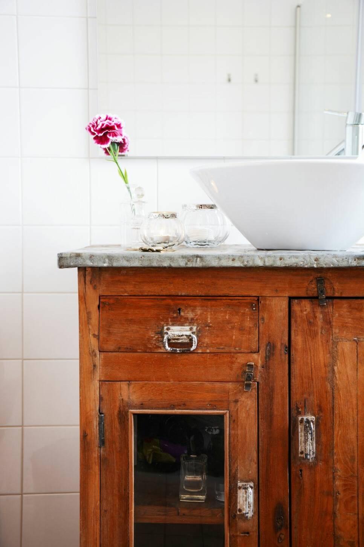 Så här lätt gör du snyggaste möbeln för badrummet – med vintagekänsla