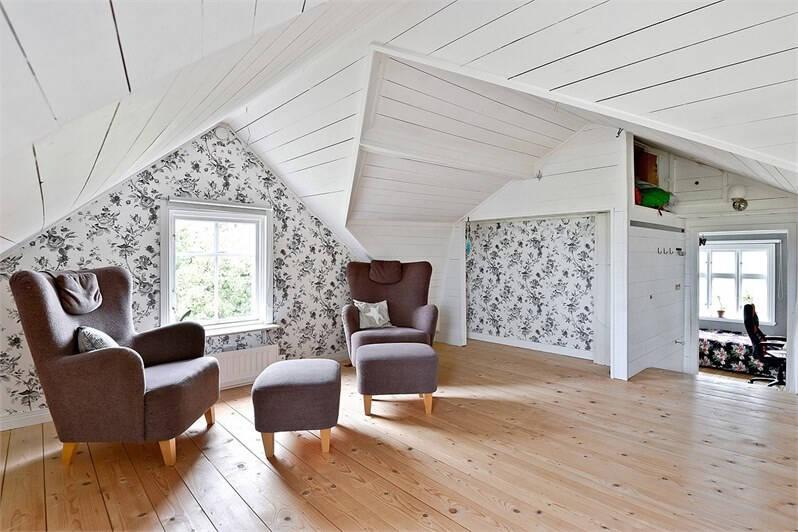 Nu kan du bli ägare till det här charmiga gamla stationshuset på Gotland