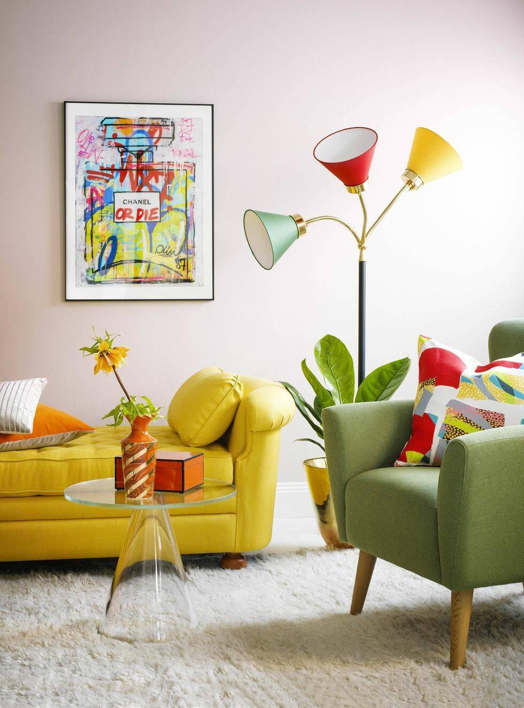 Våga färg i vardagsrummet – 2 olika stilar