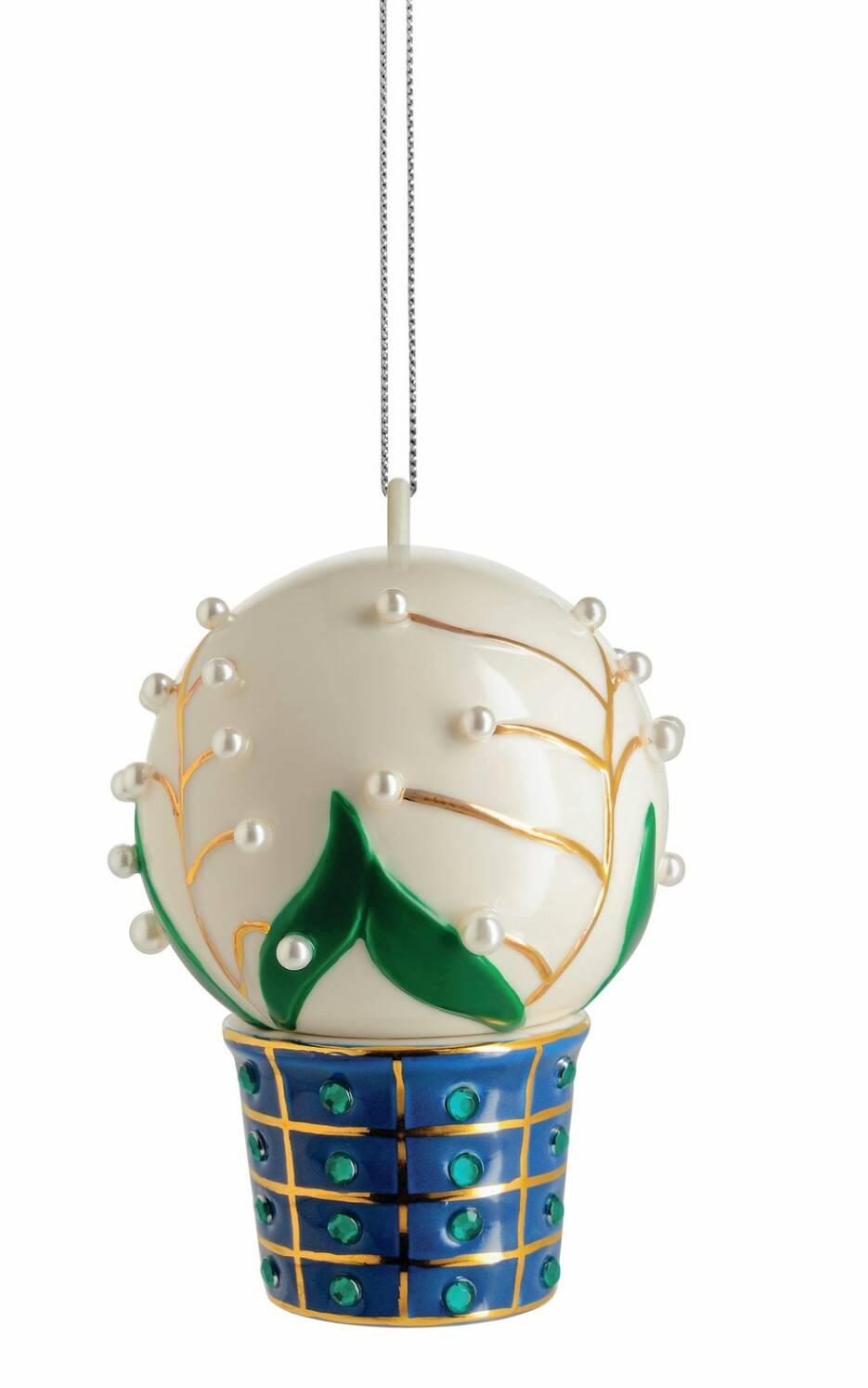 Så här dekorerar du din julgran i lager på lager