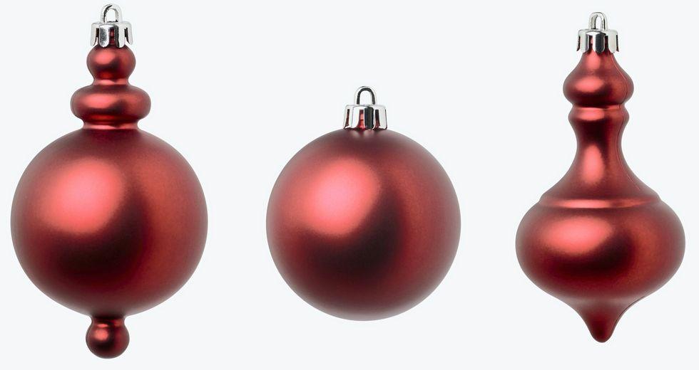 Så här pyntar du din julgran klassiskt i rött
