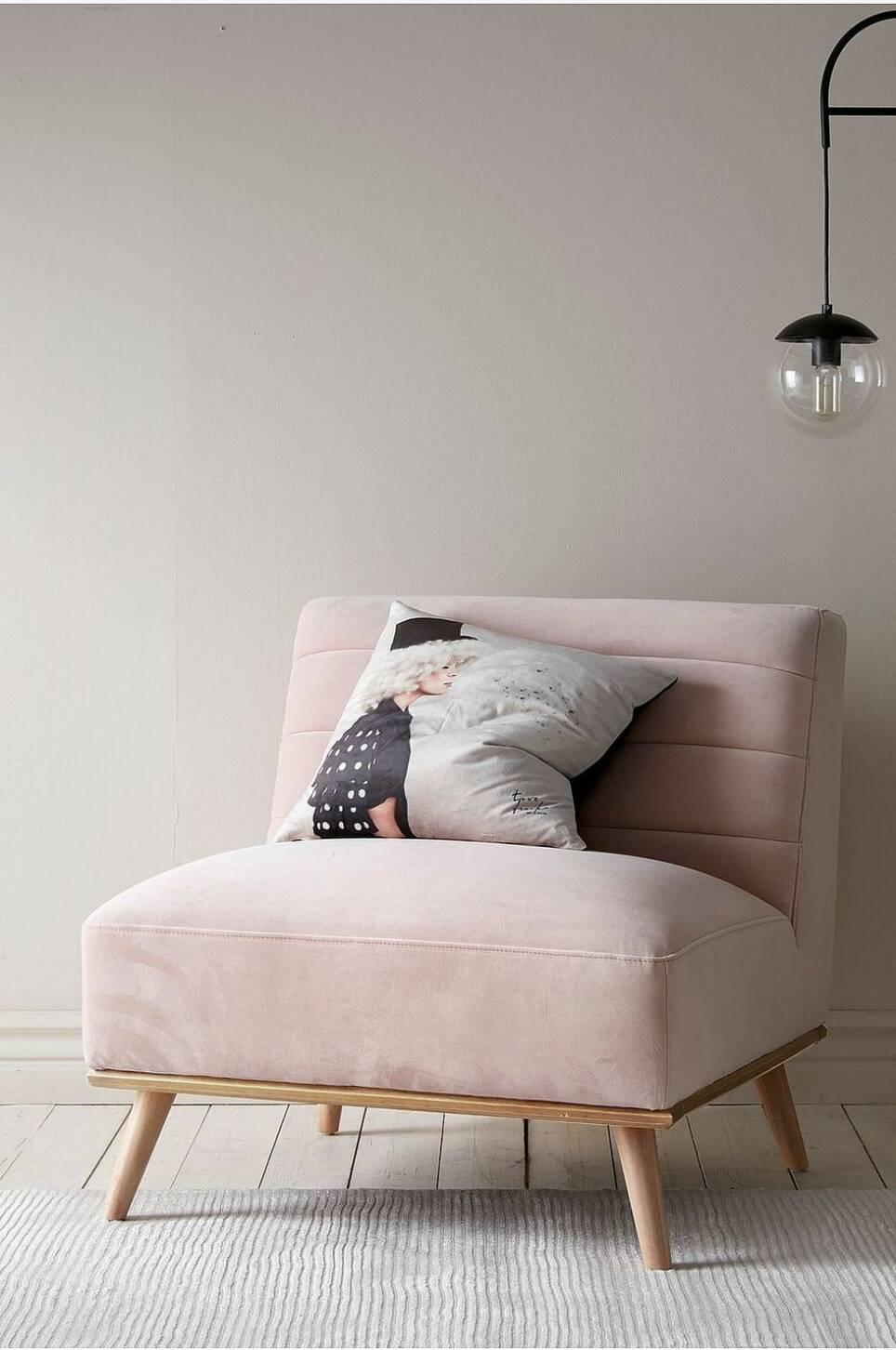 Tidlös bas eller frosseri i rosa – så ser våren ut hos Ellos Home