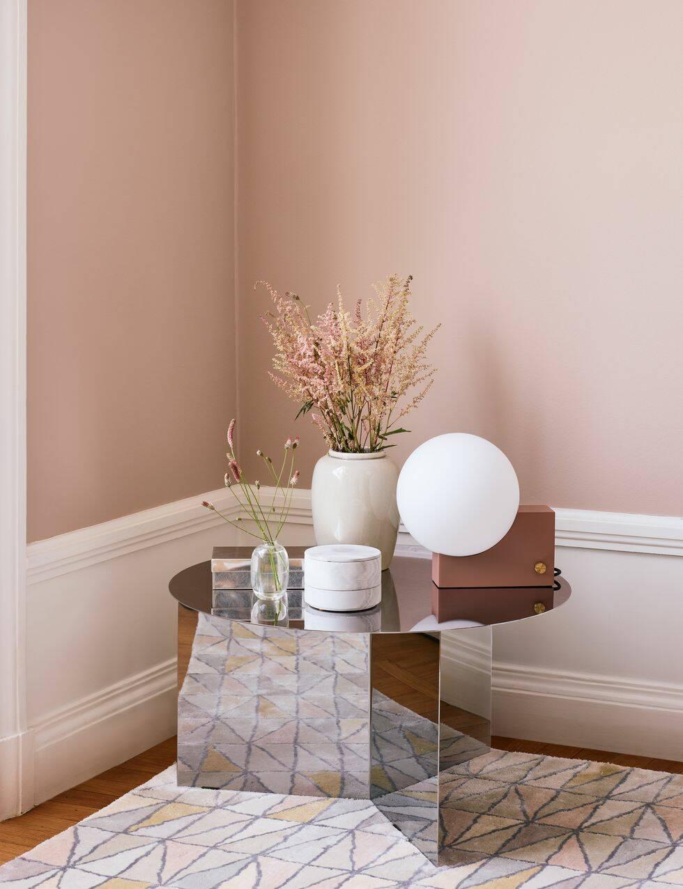 Så här stylar du ditt hem med årets trendfärger