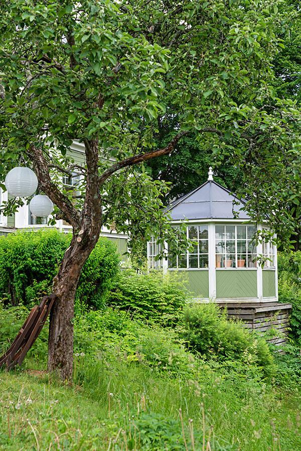 Ombonad lycka i Gröna huset - balans av gammalt och nytt
