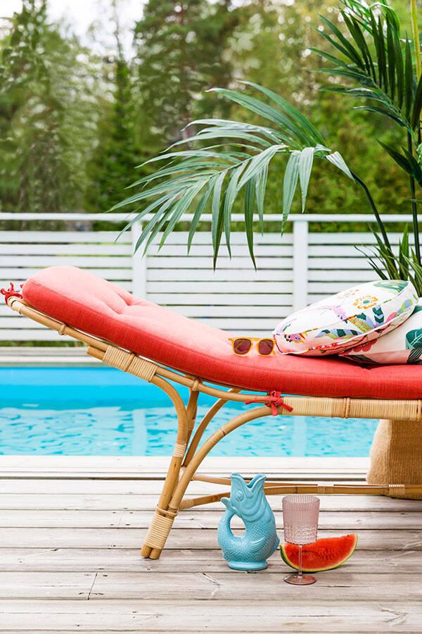 En plats i solen - stylingtips för uteplatsen eller poolen