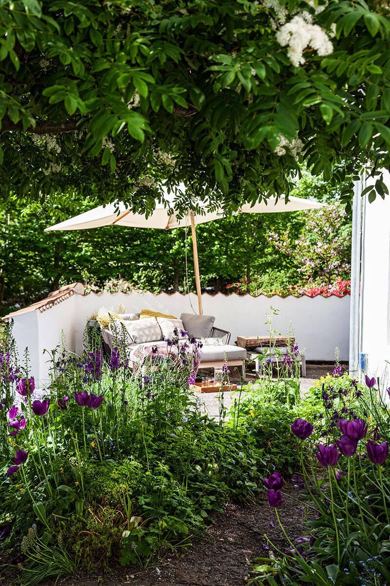 Förvandla trädgården till ett lummigt parklandskap – med egen badsjö