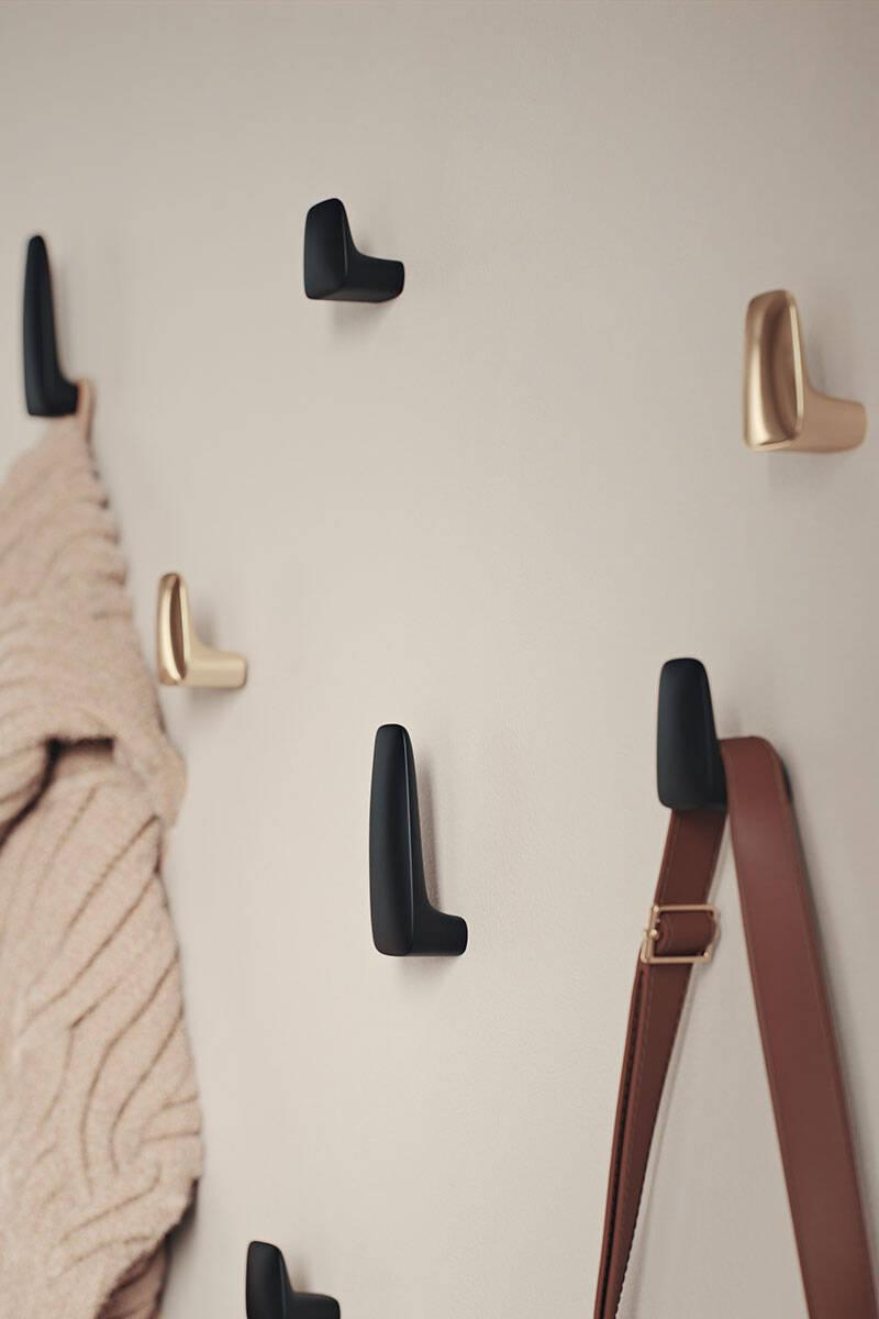 Monica Förster lanserar en serie beslag, knoppar och krokar för Habo Selection – se bilderna här