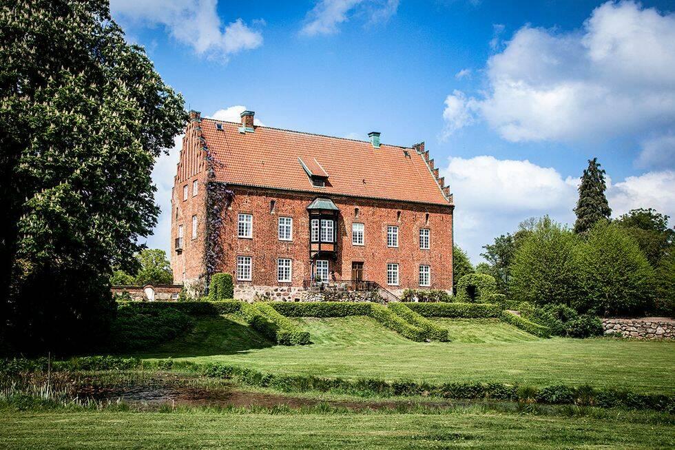 Så förvandlades den historiska borgen till ett mysigt hem – kika in