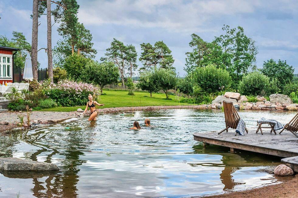 Klassiska detaljer och pool året runt –kika in!