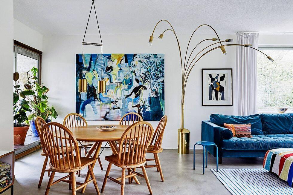 Färgstarkt och eklektiskt hemma hos konstnären