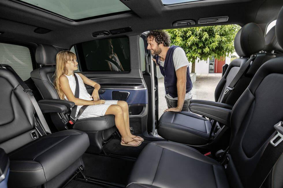 Efterlängtade nyheten: Nya Mercedes EQV är lyxiga elbilen med plats för hela familjen