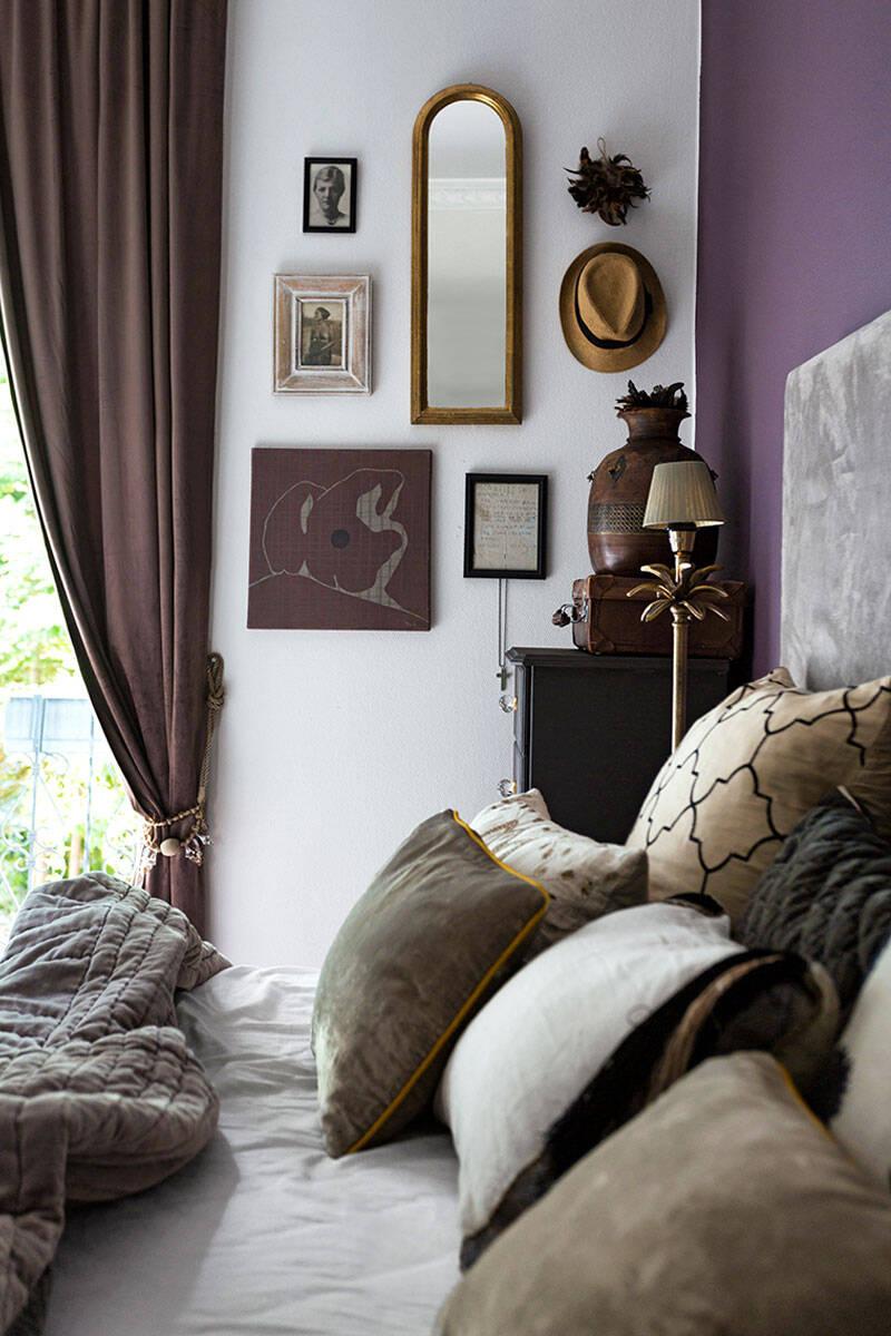 Personligt och färgstarkt –kika in i vackra sekelskifteslägenheten
