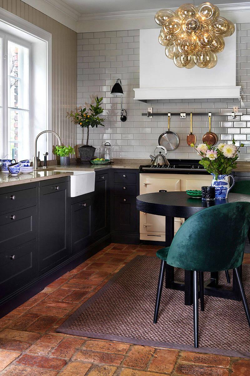 Inspireras av det här köket i klassisk engelsk stil