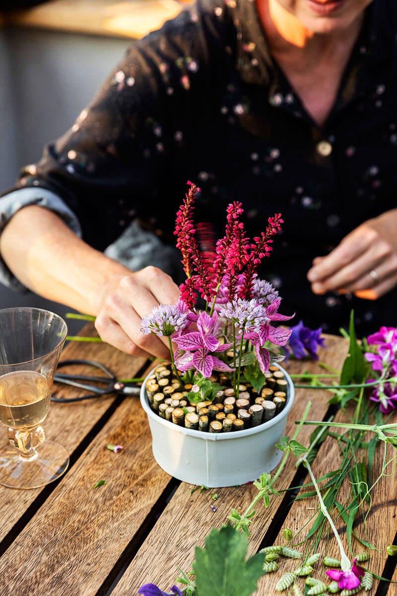 Trend: Så skapar du japanska blomsterarrangemang