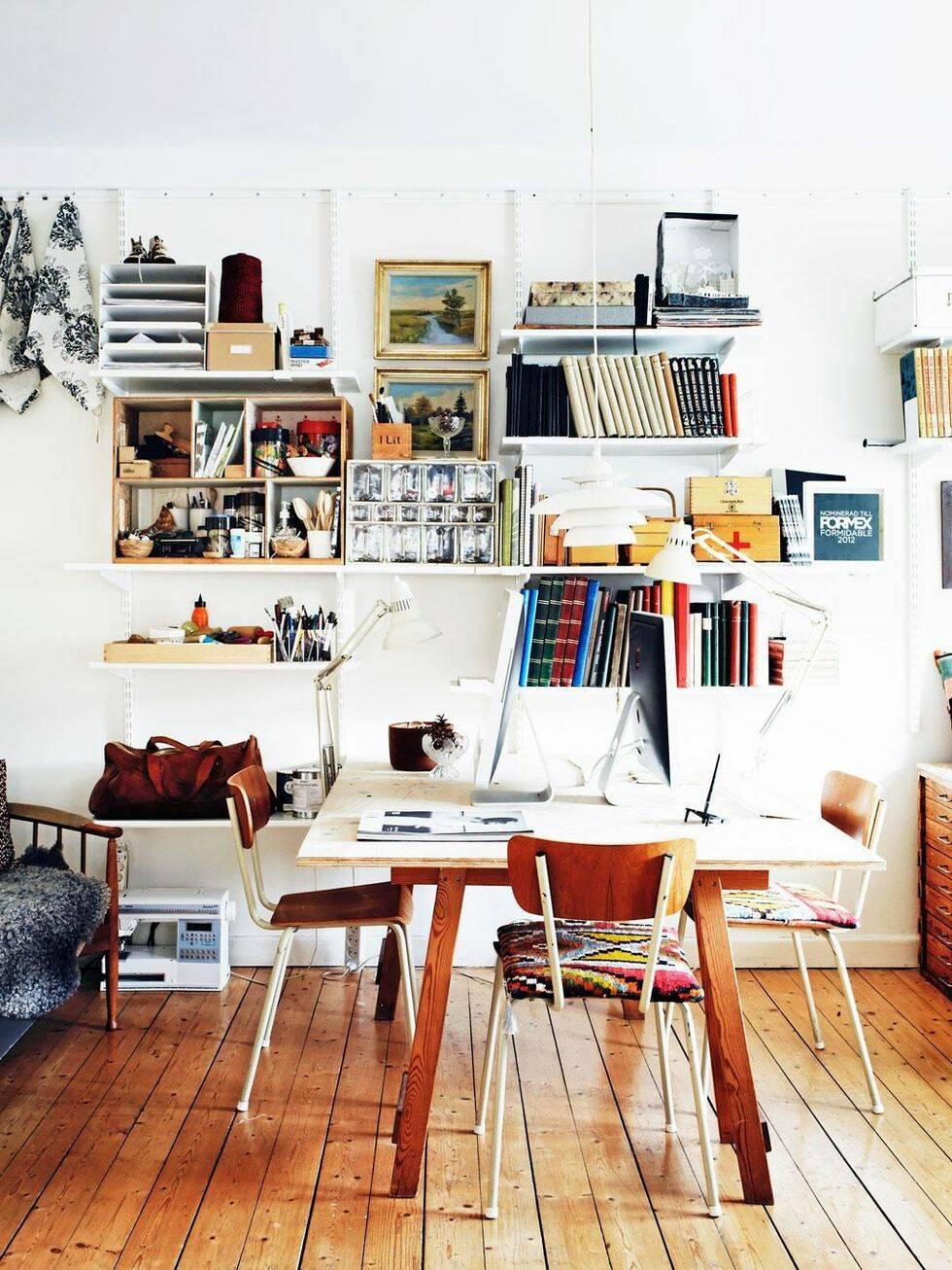 Hemma hos formgivaren Anna Backlund råder en kreativ mix