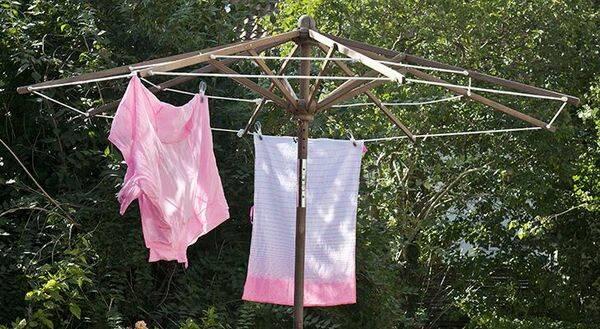Gör en torkvinda av parasollet