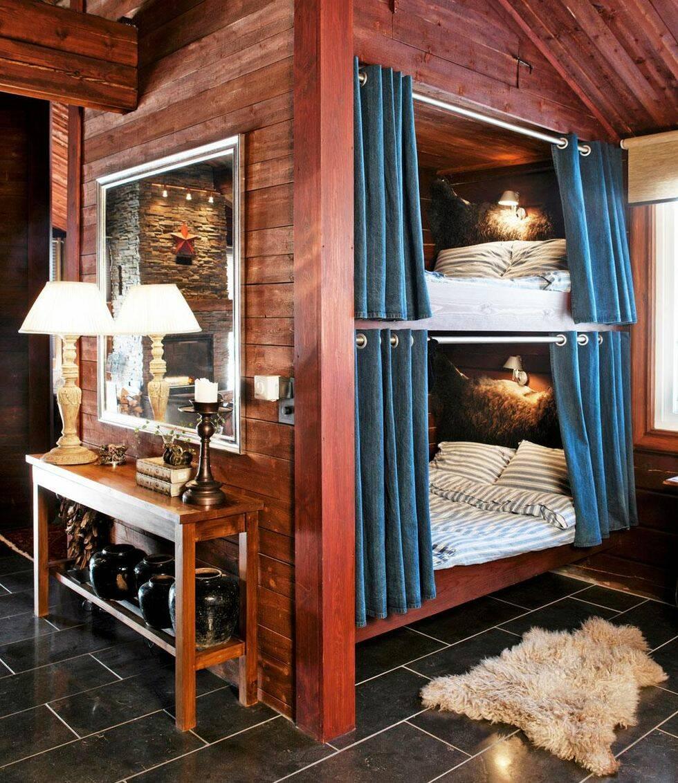 Sovskåp i två våningar