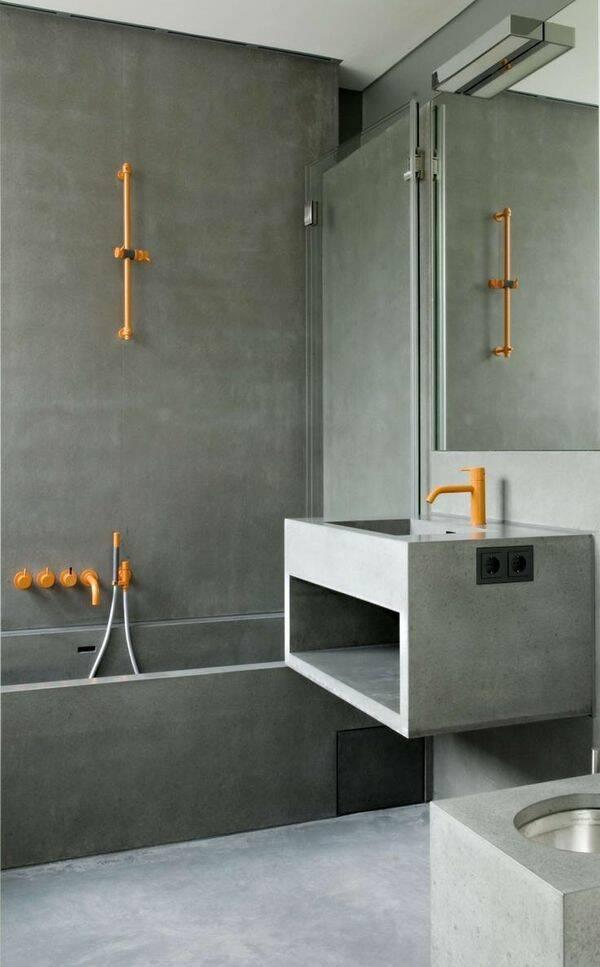 8 färgstarka badrum för den som vågar ta ut svängarna