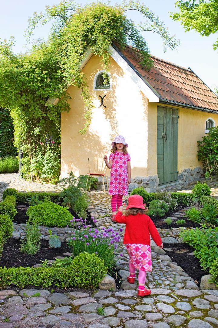 Så får du en lekfull trädgård