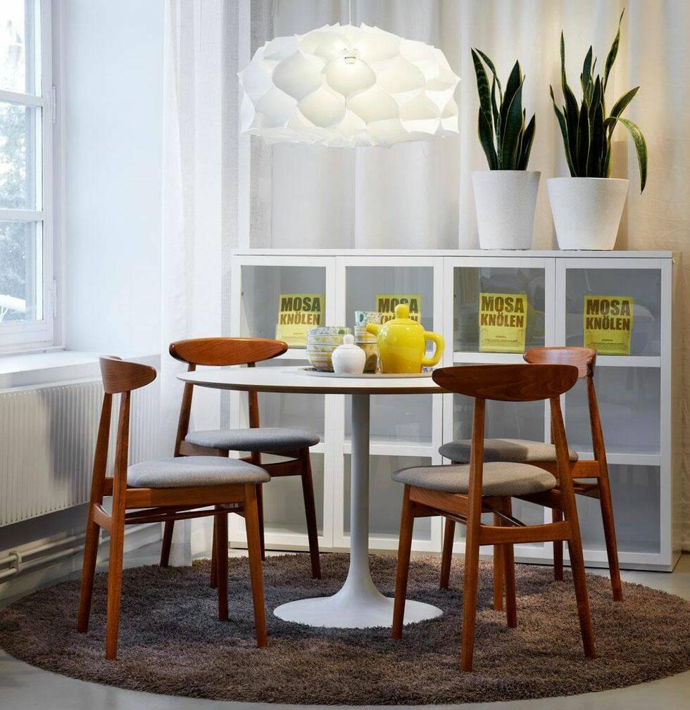 Snyggt matbord utan duk
