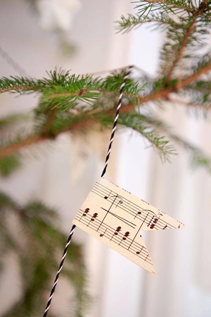 Julpyntat med naturen i Grönlunden