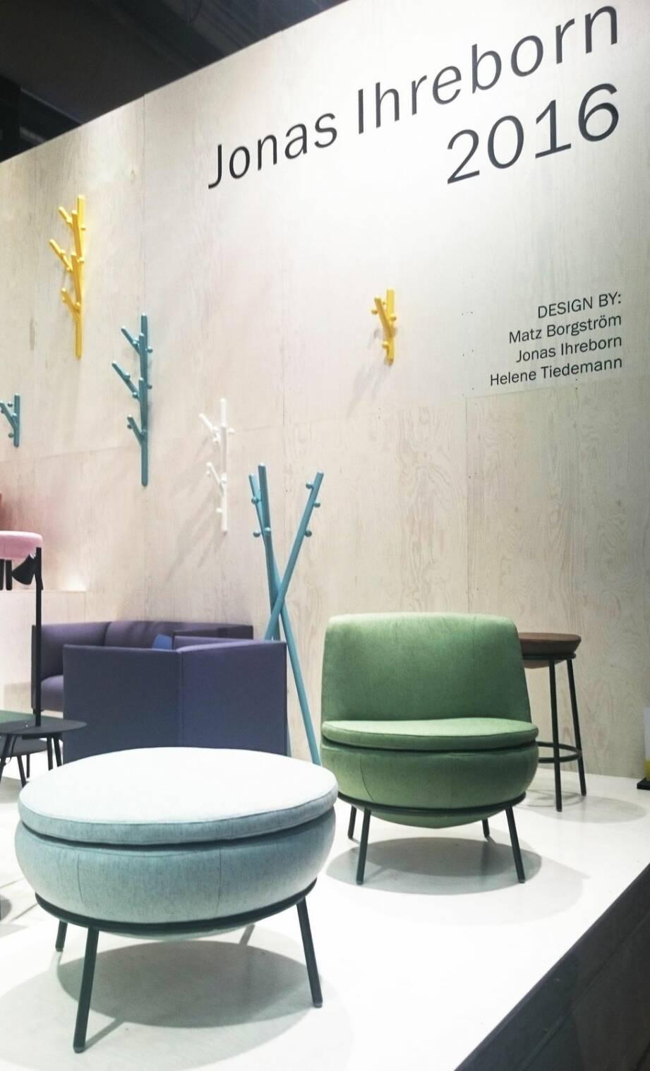 Pasteller och ljust trä samsas på Möbelmässan 2016