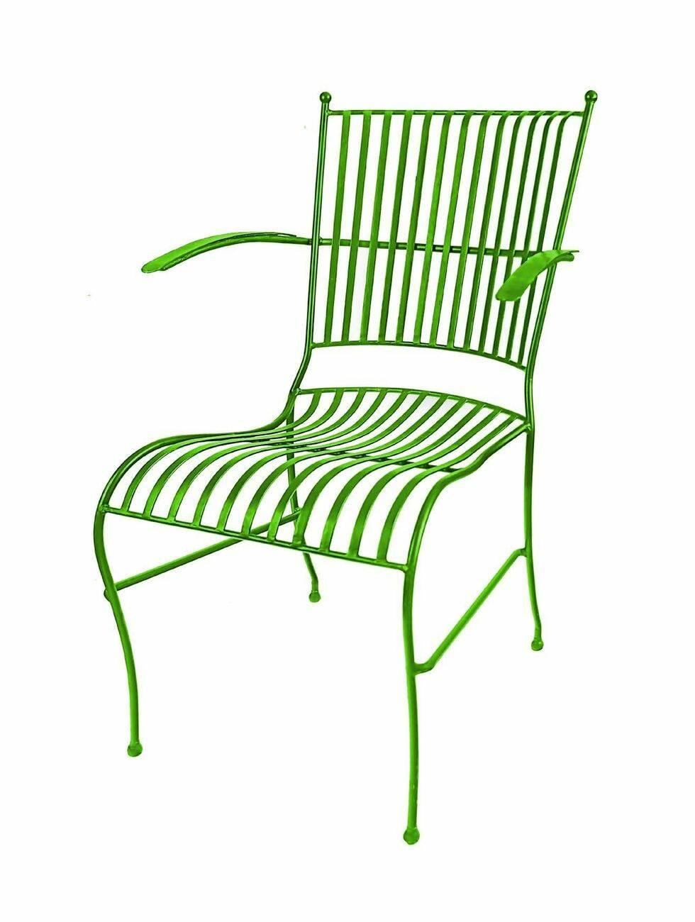 9 möbler du behöver för att fixa den färgglada stilen på uteplatsen