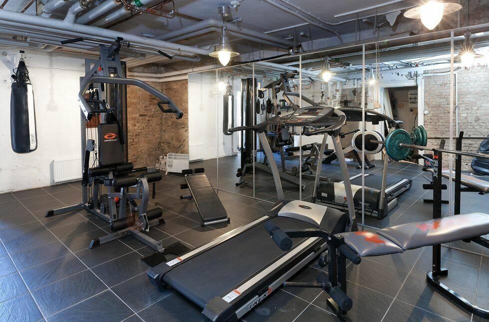Klickraket från Hemnet: Slott i centrala Göteborg med gym, biljardrum och flera barer