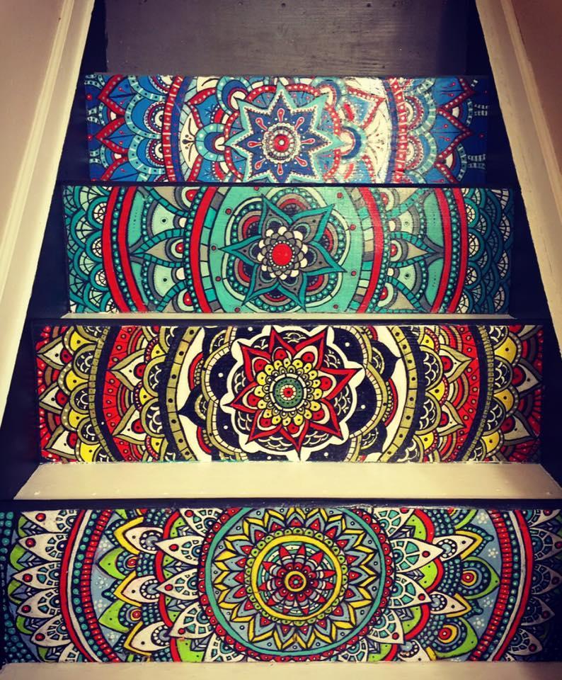 Hon förvandlade sin tråkiga trappa till ett konstverk