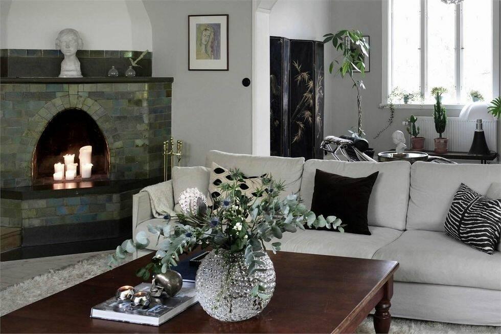 Såpskurade trägolv och burspråk – drömhuset ligger i Västerås