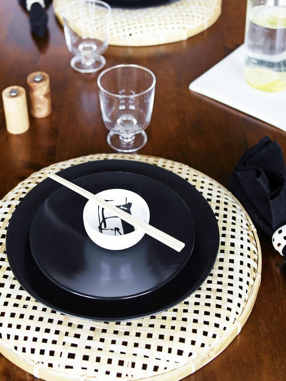 Sobert svart och minimalistiskt kök – så fixar du stilen