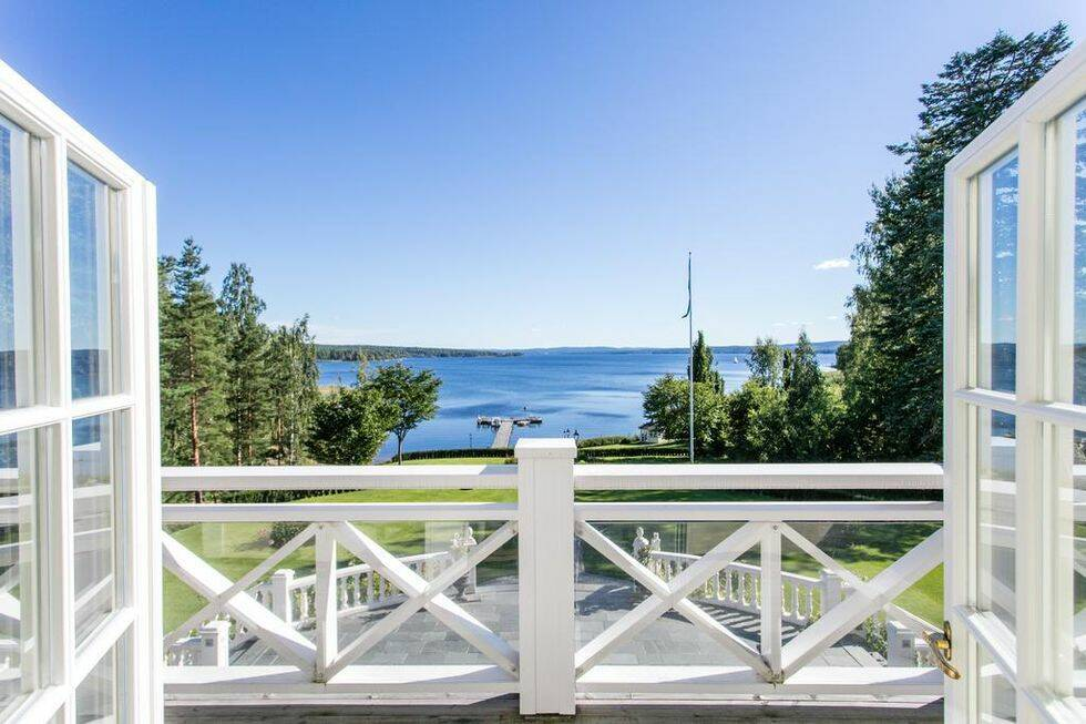 Den liknar en Hollywoodvilla – men ligger mitt i Värmland