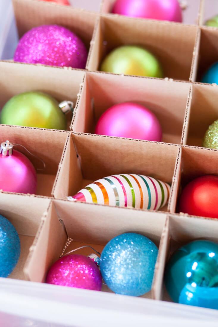 13 smarta knep för att förvara allt julpynt fram till nästa jul