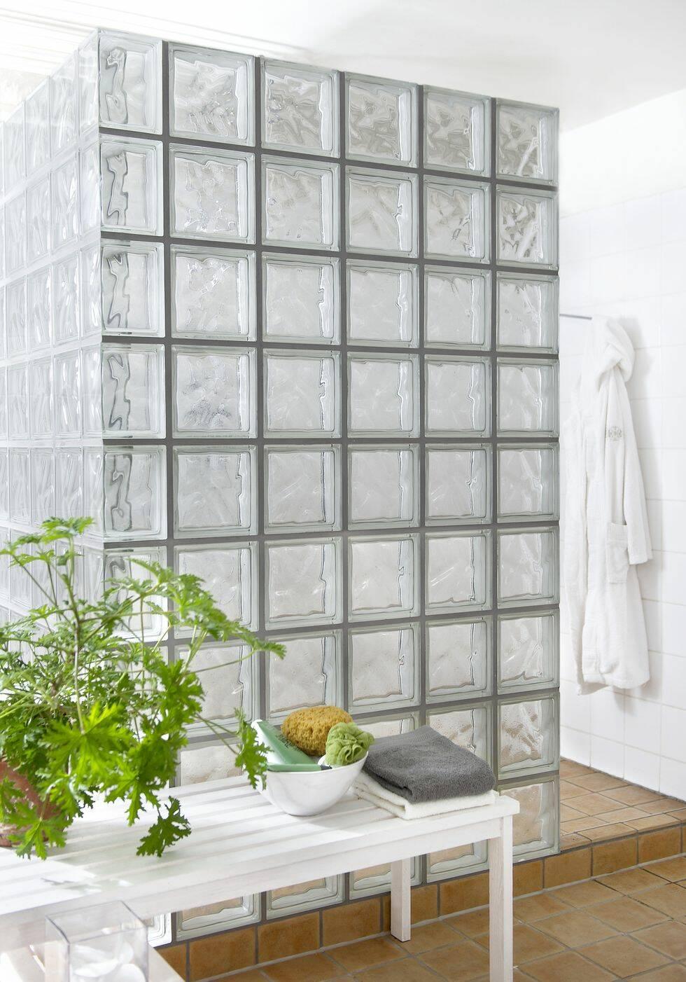 Så här bygger du en duschvägg av glasbetong